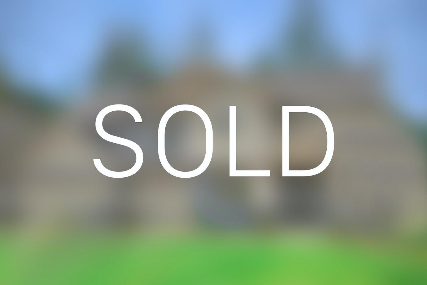 4 Bedroom Home In Bellevue Washington