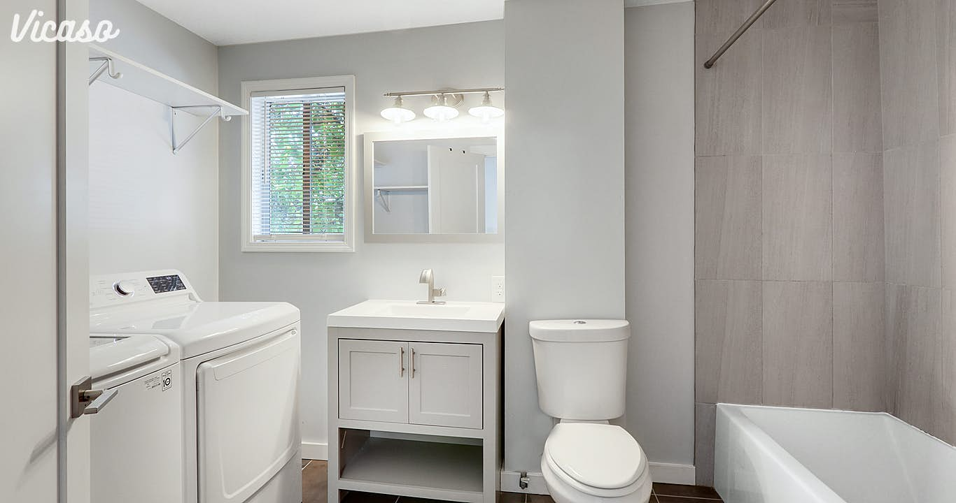 Brand new bathroom, equipped with full size washer/dryer